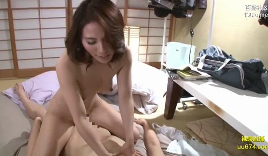Молодой азиат получил возможность сколько угодно чпокать мамку